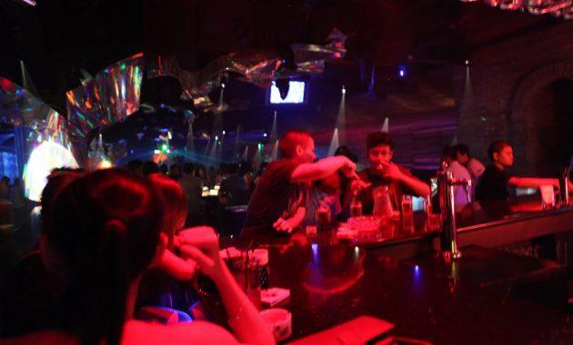 Hollywood Bar Bandung